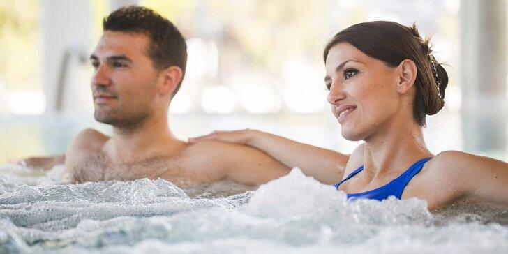 Romantika ve 2: až 120 min. privátní vířivky a sauny, hudba i mísa s ovocem