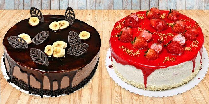 Přímo k nakousnutí: Čokoládové, vanilkové i ovocné dorty až pro 16 osob