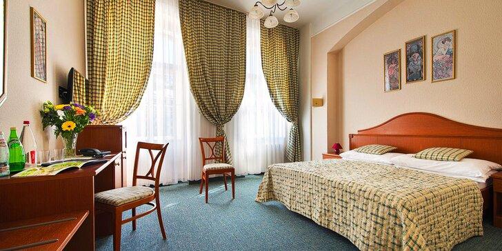Pobyt v Karlových Varech s bazénem, masáží i procedurami: 3–8 dní s jídlem
