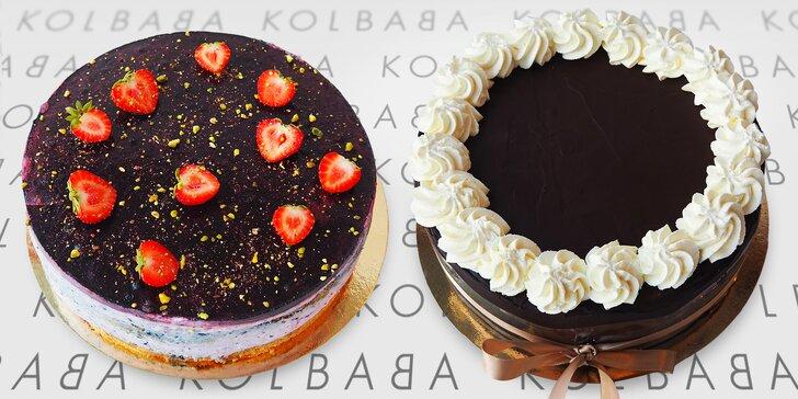 Borůvkový nebo smetanový sachr dort z vyhlášené cukrárny Kolbaba
