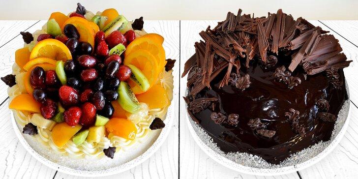 Dort pro oslavence i jen tak na chuť: Čokoládový, jahodový či s mixem ovoce