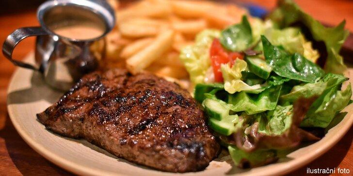 Bylinkami provoněný steak z krkovičky nebo kuřecího masa s přílohou