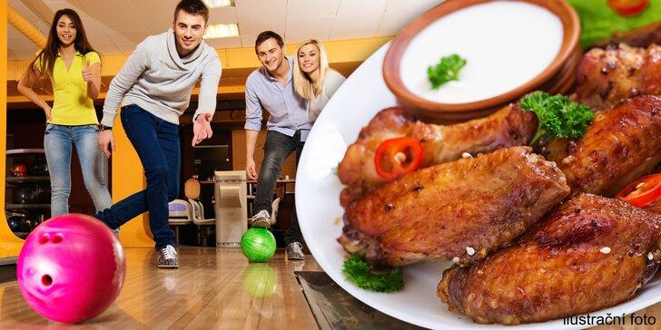 2 hodiny bowlingu až pro 8 hráčů i varianta s 1 kg křidýlek Buffalo Wings