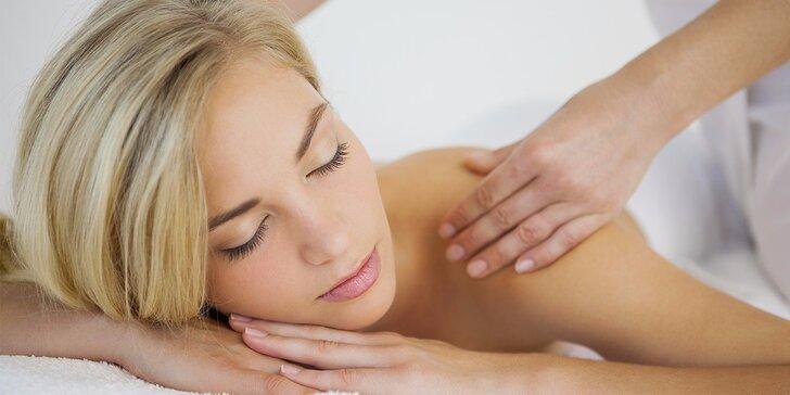 Aroma relaxační masáž zad pro uvolnění svalstva v délce dle výběru