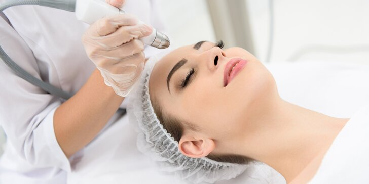 Kosmetické ošetření dle výběru: až 90minutová královská péče pro vaši pleť