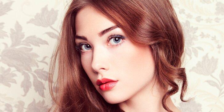 Kosmetické ošetření včetně úpravy obočí a parafínového zábalu na ruce