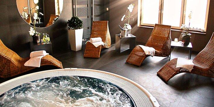 Krásný pobyt ve 4* zámeckém hotelu: 2–3 noci se snídaní a hodina ve vířivce