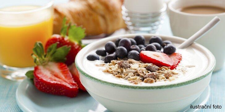 Nastartujte den dobrým jídlem: slaná, sladká, caprese nebo zdravá snídaně