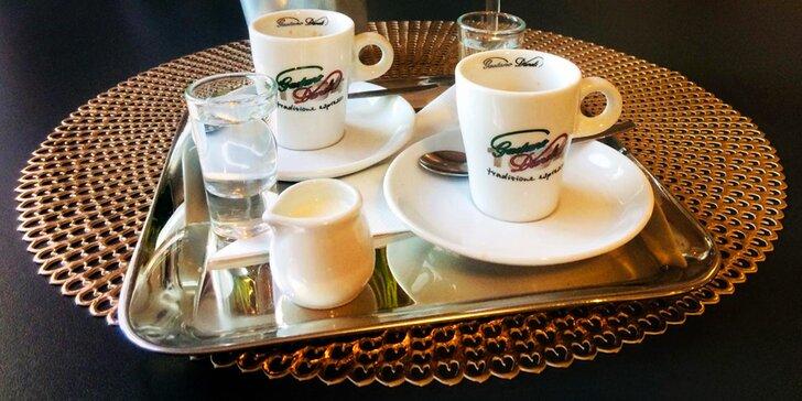 Na kávu: dvakrát espresso nebo lungo na Eliščině nábřeží