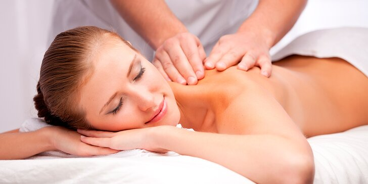 Masáž technikou měkkých tkání: 45 nebo 75 minut léčebného hýčkání