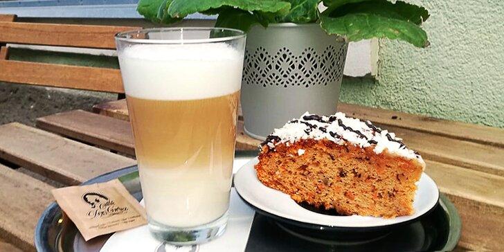 Káva, čaj a dezerty podle výběru pro 2 osoby
