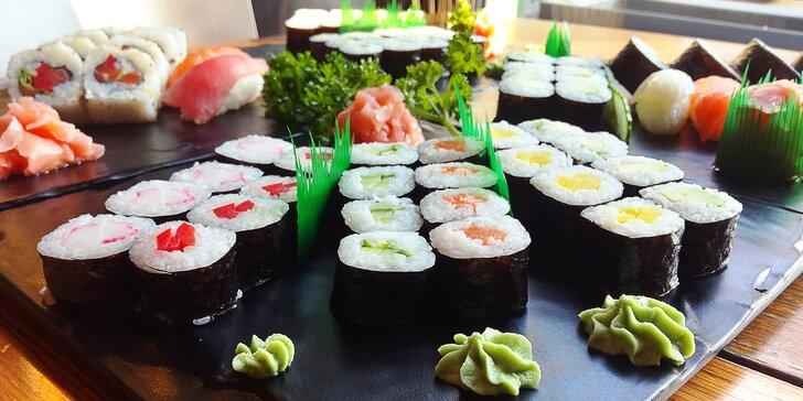 Sushi sety s 10 až 24 kousky: s chobotnicí, lososem, tuňákem i sépií