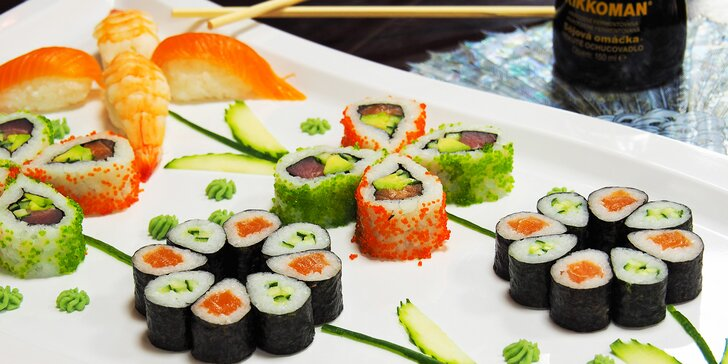 Sushi sety s až 51 ks: losos, tuňák, avokádo i krevety v tempuře či na grilu