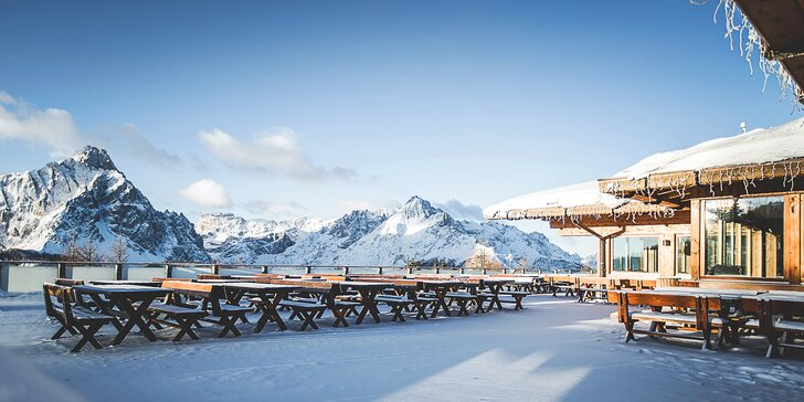3denní lyžování v italských Dolomitech: bus, polopenze, skipas a wellness