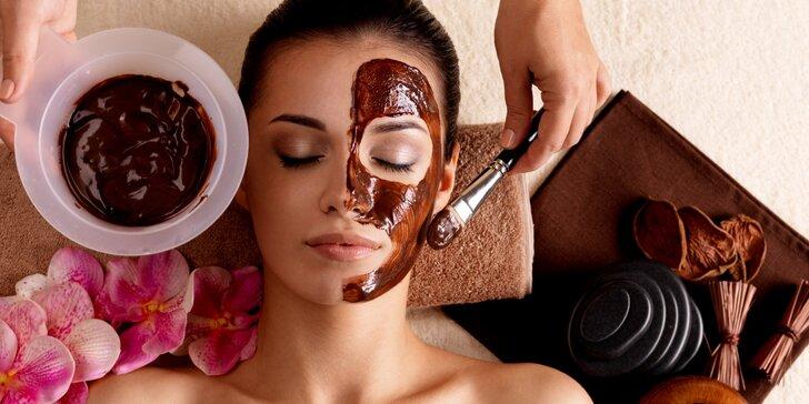 Čokoládová kosmetická péče včetně masáže teplými kameny
