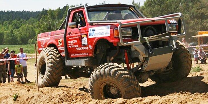 Žádná překážka není velká: 20 minut za volantem truck trialového speciálu