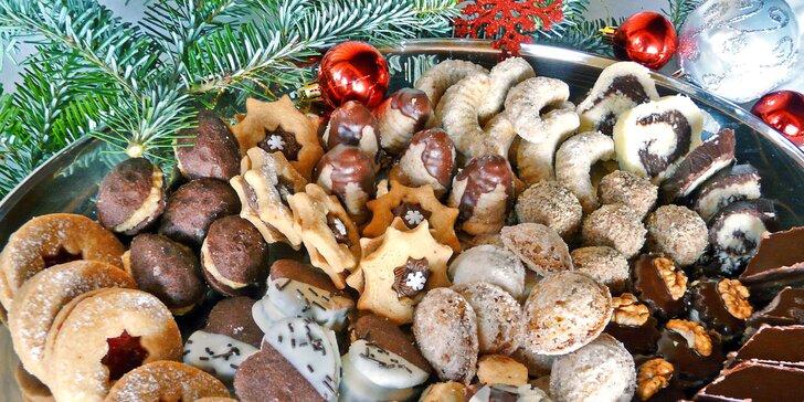 Tradiční vánoční cukroví ze Zvíkova napečené podle receptů našich babiček