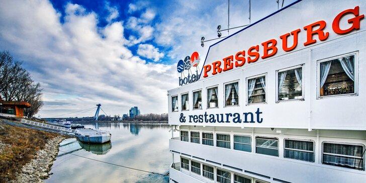Originální romantický pobyt: v hotelu na lodi vč. snídaně nebo polopenze