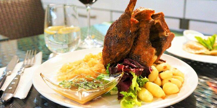 Dejte si hody: svatomartinské menu s 1/2 husy i dezertem pro 2 osoby