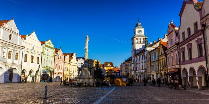 Pobyt v renesančním hotelu v srdci Třeboně s polopenzí i masáží a koupelí