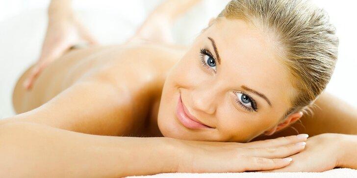 Relaxační masáž šíje, zad a nohou vč. plosek + bezolejová masáž hlavy