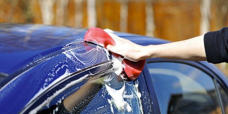 Mějte auto jako nové: ruční mytí a čištění interiéru vozidla i s ošetřením pneu