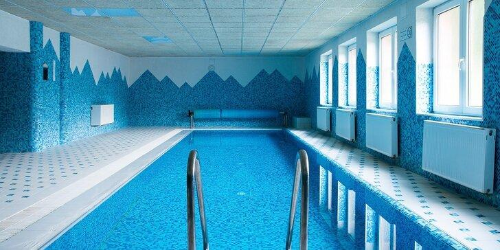 Pohoda pro 2 s polopenzí, bazénem, saunou i bowlingem v přírodě Javorníků