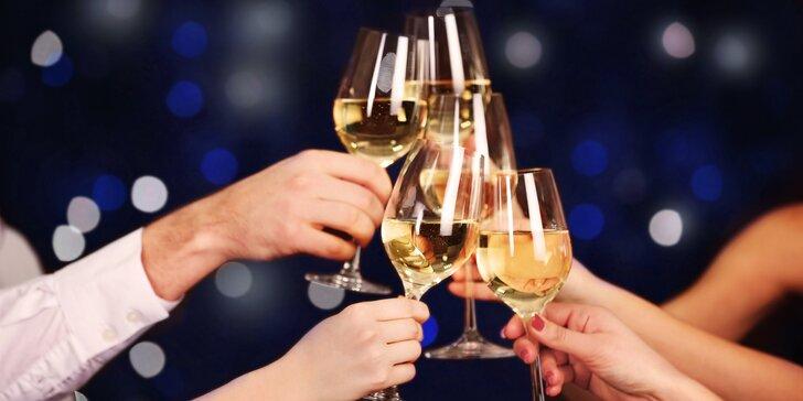 Silvestrovský pobyt na Moravě se zábavou a degustací vína i mandlovice