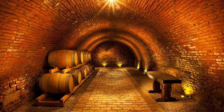 3 dny ve Vinařství Přítluky: degustace vín, 3chodová večeře a Pálava na dosah