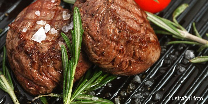 Šťavnaté flambované vepřové steaky z krkovičky pro dvě osoby