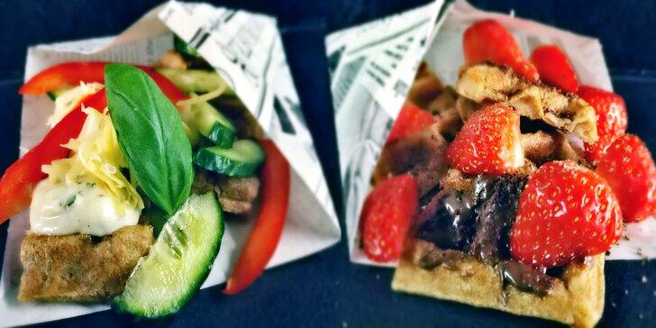 Zamlsejte si: smoothie nebo vafle s espressem či svařákem pro 2 osoby