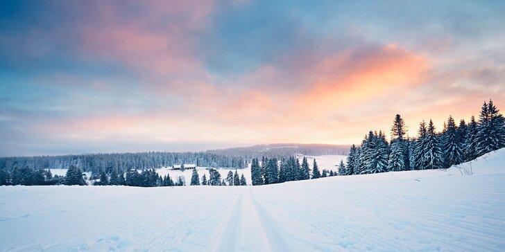 Turistika i lyžování uprostřed šumavské přírody s bohatou polopenzí pro dva