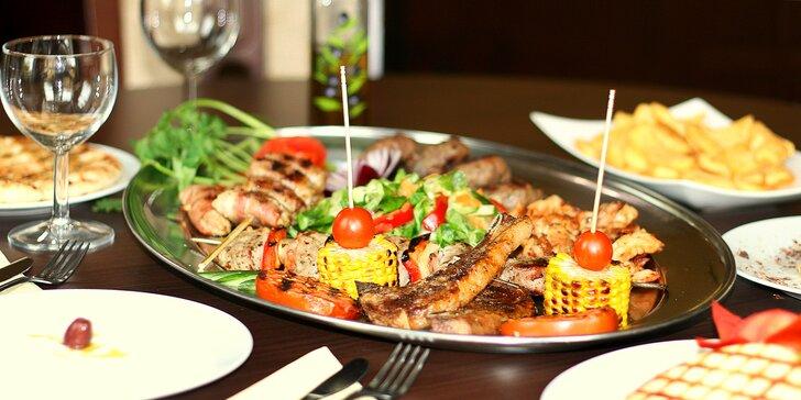 Řecké speciality pro 2 osoby: masové nebo sýrové plato, dezerty i víno