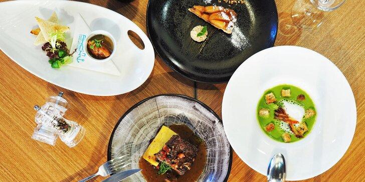 4chodové menu ve špičkové restauraci: husí paštika, hovězí steak i tarte tatin