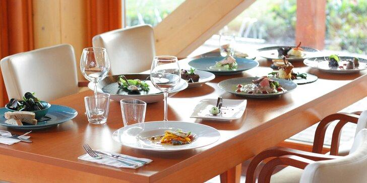 Degustační 11chodové menu pro dva: mořský vlk, slávky i burgundské hovězí