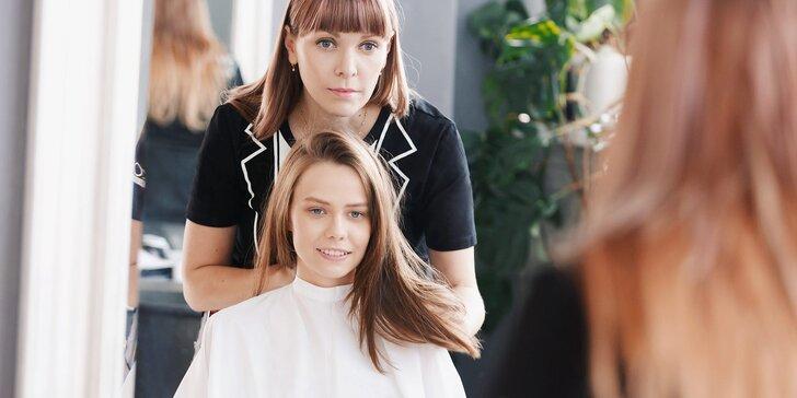 Oslňte novým vzhledem: Střih a styling ve vlasovém studiu Freya