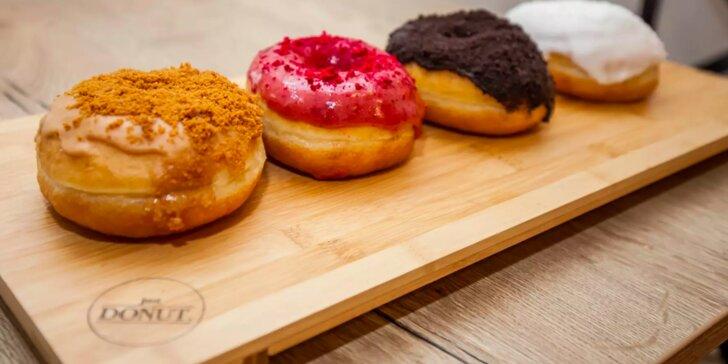 Otevřený voucher na cokoli z Just Donut v hodnotě 200 Kč: donuty i káva