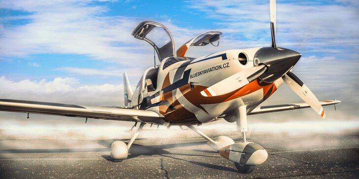 Pilotujte sporťák mezi letadly: 20 minut pilotování nebo zážitkový let