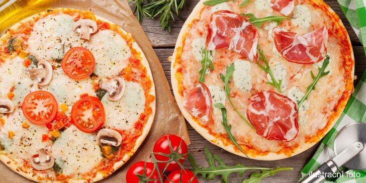 Pochutnejte si: jedna nebo dvě pizzy podle výběru o průměru 32 cm