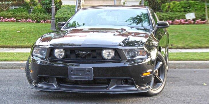 Sešlápněte plyn Fordu Mustang GT: zapůjčení na 30–60 min, 24 hodin i víkend