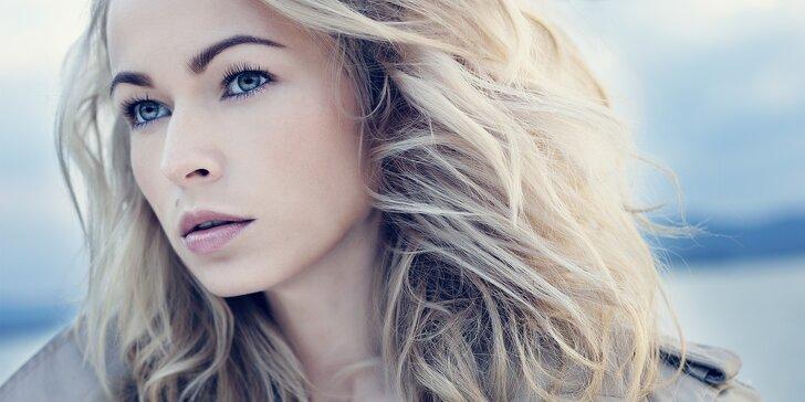 Hýčkejte své vlasy: dopolední kadeřnický balíček s reg. péčí UV žehličkou