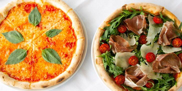 Posezení na lodi v Modřanech: 2 pizzy a lahev chilského vína podle výběru