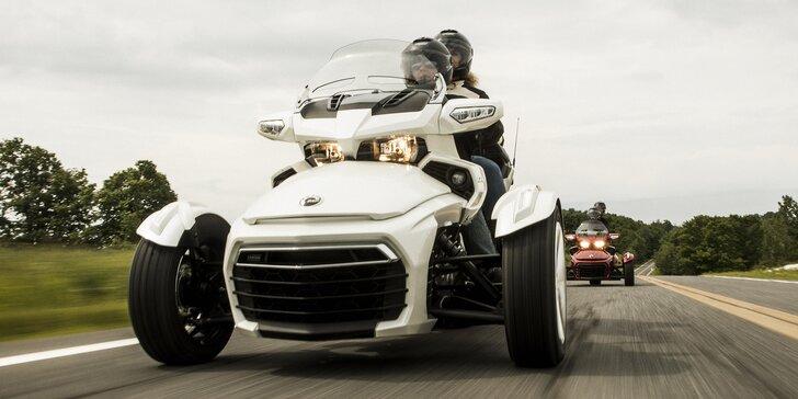 Užijte si jízdu: zapůjčení tříkolky Can-Am Spyder na 2 hodiny i 2 dny