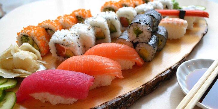 Báječná pestrost sushi: čerstvé sety s rybami, sýrem Phidalelphia i sépií