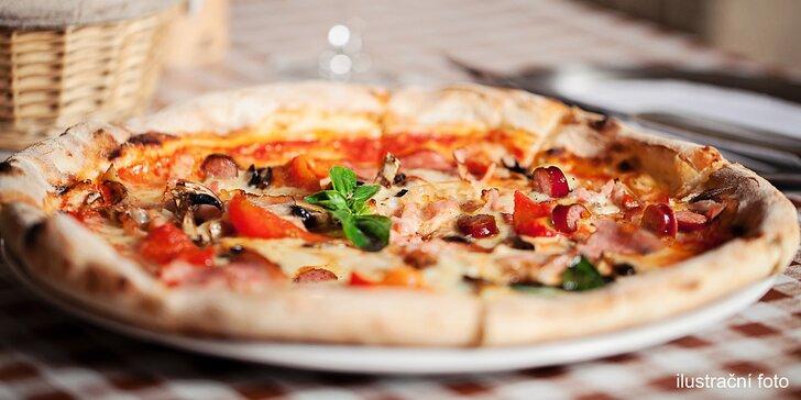 Klasická pizza dle výběru s nápojem v restauraci Riva