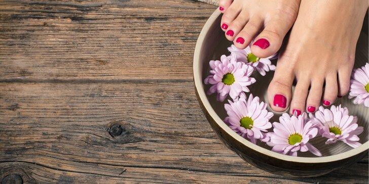 Luxusní balíčky wellness pedikúry včetně masáže chodidel