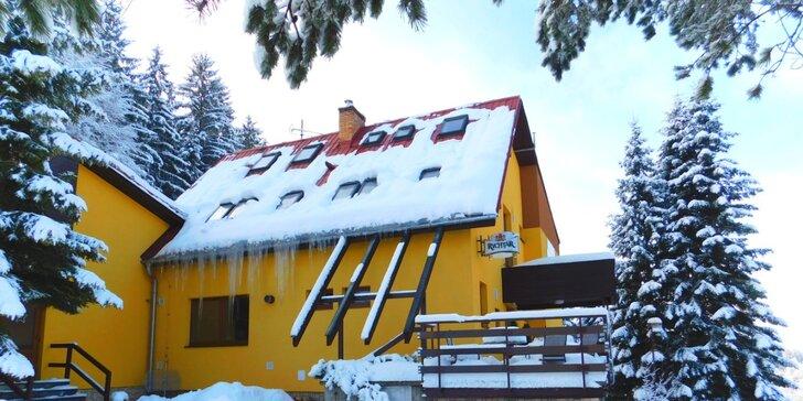 3–8 dní turistiky či lyžování v malebných Beskydech pro 2 s polopenzí a saunou