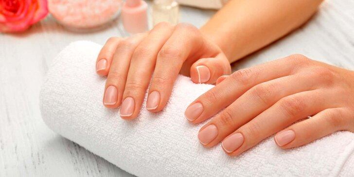 Péče o ruce: Manikúra s gel lakem, nebo mokrá manikúra pro dámy i pány