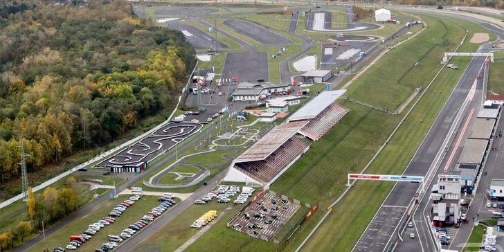 Prohlídka zákulisí mezinárodního závodního okruhu s odborným výkladem