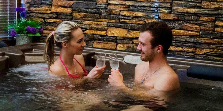 Lenošte jen spolu: 90 minut v privátní vířivce nebo vířivce a sauně pro dva